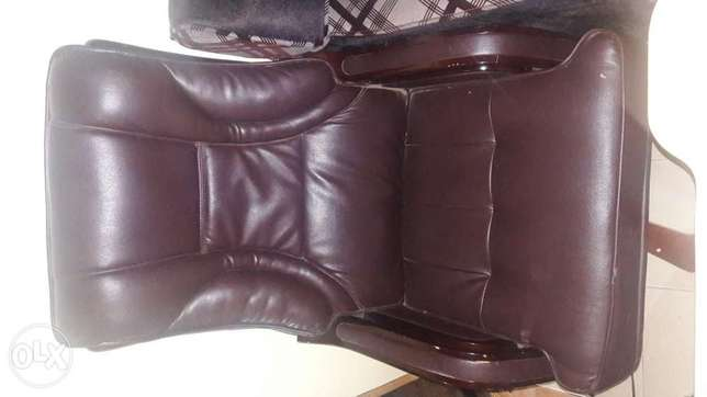 Exexutive office chair Kasarani - image 2