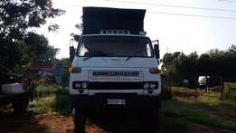 Nissan CW 41 Tipper 10M3 PD 6 Engine. Good running condition.
