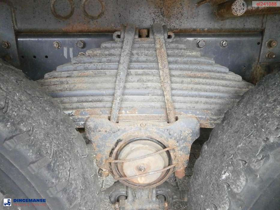 Iveco AD380T38 6x4 tipper - 2011 - image 22