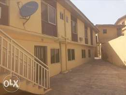2bed rooms flat newly renovated house at Felele barracks Ibadan.