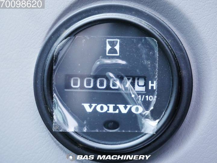 Volvo ECR145CL - 2018 - image 16
