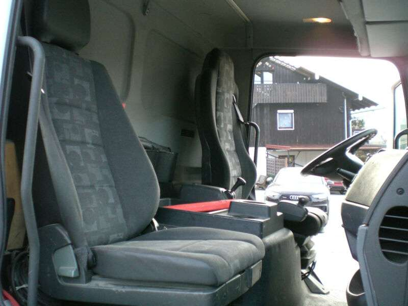 Mercedes-Benz 818 L Atego Pritsche Plane Ladebwordwand - 2010 - image 10