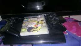 Super slim PS3 500 GIG with 2 controls and fifa 17