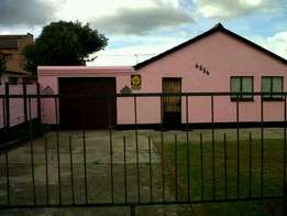 2 bedroom house for sale in lenasia south ext 4 R380 000