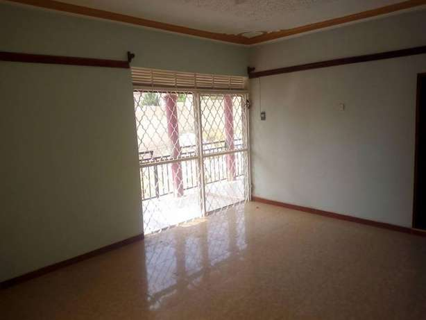 Near main 3 bedroom stand alone house for rent in Kiira at 500k Kampala - image 8