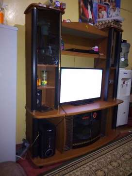 Wall Unit in Furniture in Viwandani-Naivasha | OLX Kenya