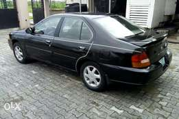 Neatly used Nissan Altima for sale, functional AC (Distress Sale)