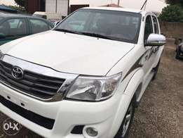 Very clean Automatic 2011 Toyota Hilux