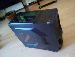 Raidmax cobra gaming case with 1 green LED fan