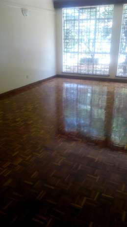 3 bedroomed apartment State House Kilimani - image 3