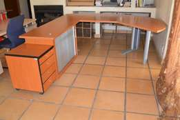 Executive Office Table in very Good Condition For Sale