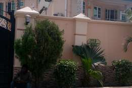 Well Built Luxury 3bed Rooms Flat at Ajao Estate Isolo. Just 2pple. Up