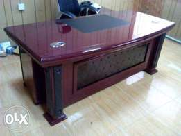 W7 Elegant Executive Office Durable Table 1.6m(New)