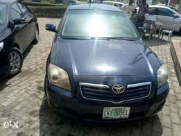 Sharp toyota avensis 2005 for sale
