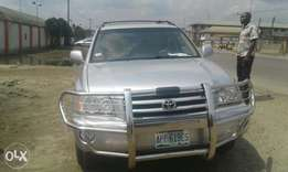 Less than 1year used toyota highlander 2002 model for sale..
