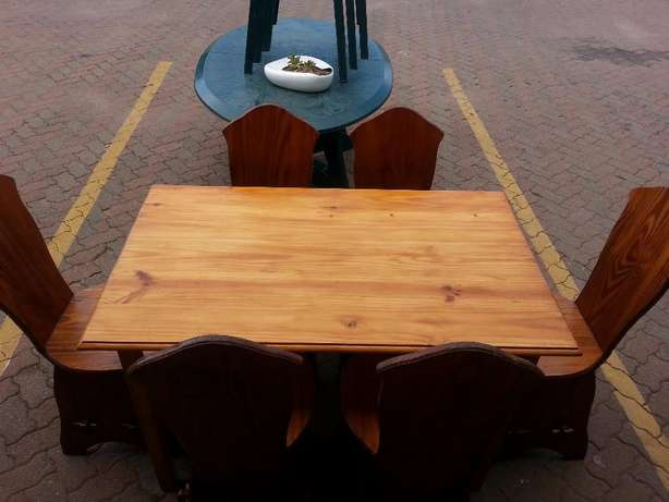 Wooden dining table with 6 wooden chairs for sale Pretoria - image 3