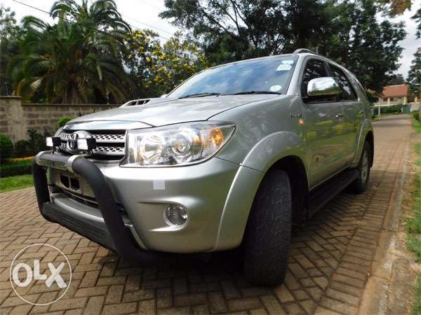 mint condition toyota fortuners Gigiri - image 3