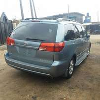 Tokunbo Toyota Sienna XLE (2005) First body