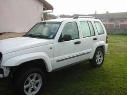 Jeep Cherokee Sport 4x4 2.8 2007 Model Breaking up Spares & Parts