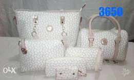New sets of leather ladies handbags at exclusive prices