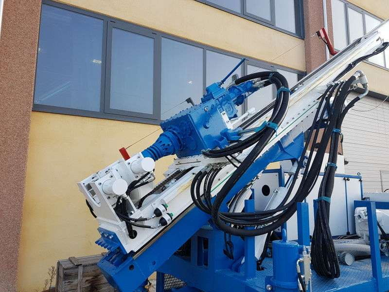 Boart-Nenzi model DB 540 P drilling rig de vânzare | Tradus