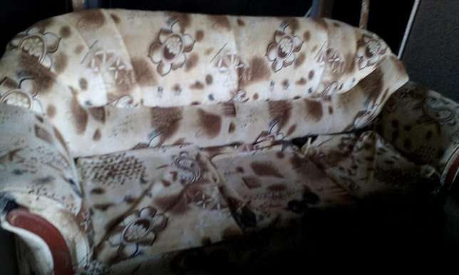 Original 5 seater hardwood and cotton linen sofas. Kangemi - image 2