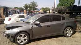 Chev Cruze Ls 1.8 Auto Stripping For Spares