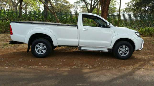 Toyota Hilux Raider 4X4 Sports Package KCK Parklands - image 5
