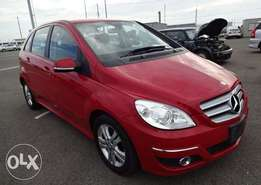 Mercedes Benz B180 red colour 2010 model excellent condition