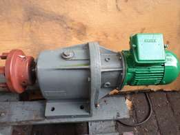 0.40 kw 380 volt electric motor with gearbox.