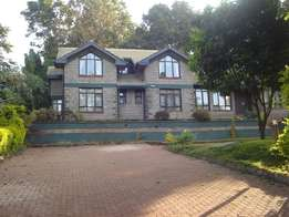 Rosslyn executive own 5 bedrooms TO LET