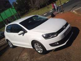 2012 polo 6 1.4 white in colour with 94000km R128000