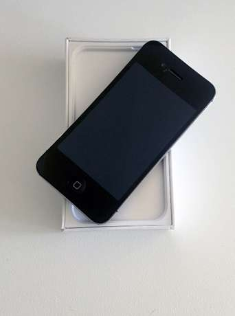 iPhone 4s - Black 16G in good condition Durbanville - image 2
