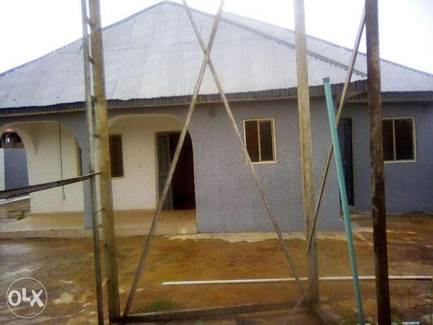 Spacious compound and building for sale Ilorin - image 4