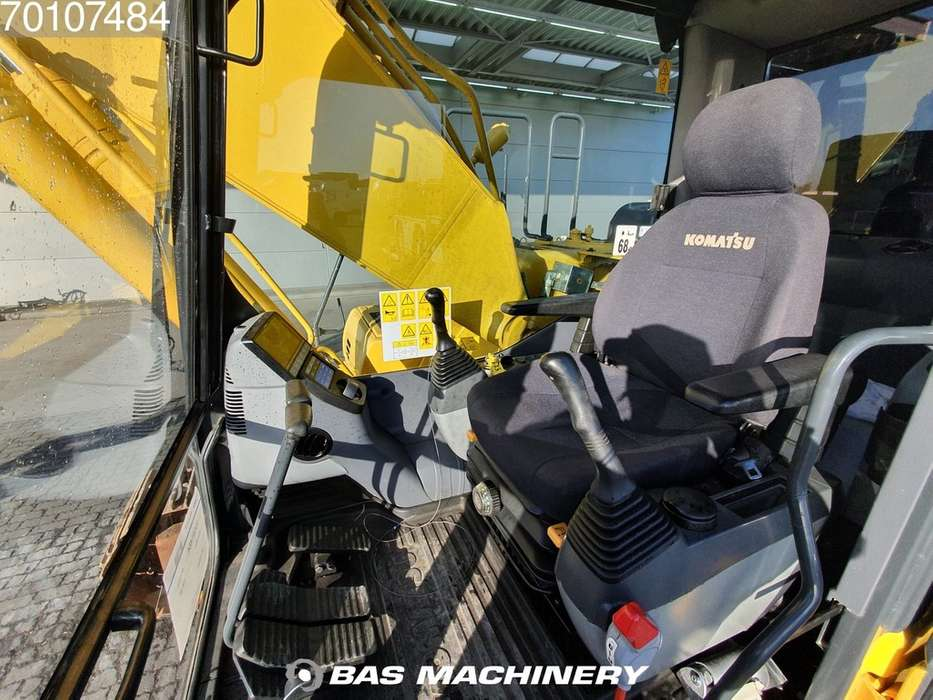 Komatsu PC200-8 Nice and clean condition - 2016 - image 14