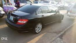 Mercedes Benz C300 -2010 4matic black