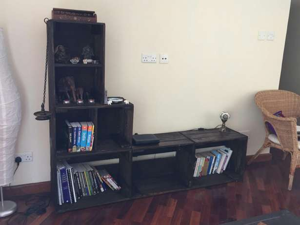 Entertainment/bookshelf stand Ngara - image 1