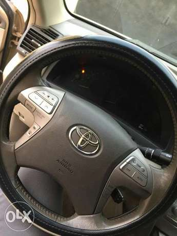 Super Clean Tokunbo Standard Few months Used Toyota Camry 2012 model Abuja - image 3