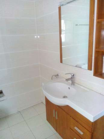 Stunning three bedroom for rent near yaya center Kilimani - image 5