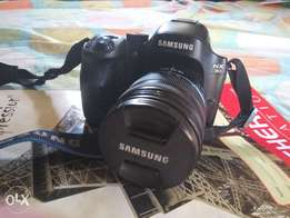 Fairly used Samsung nx30 camera for sale