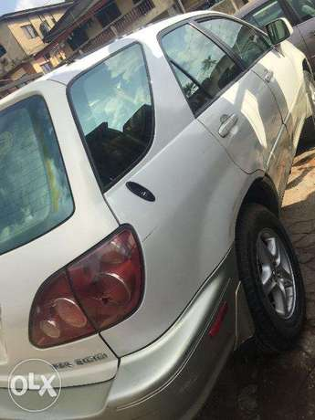Lexus RX300 first body, clean and just like tokunbo engine Ikeja - image 5