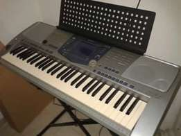 61 full-size keys with touch response PSR-1100