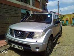 Nissan Navara, Manual Transmission, Diesel for 900,000 non-negotiable