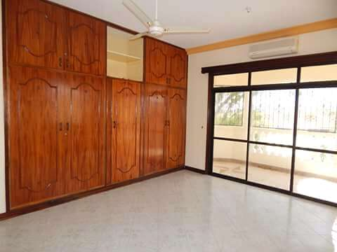 Executive 3BEDROOMS house available to let in kizingo,mombasa Vescon - image 7