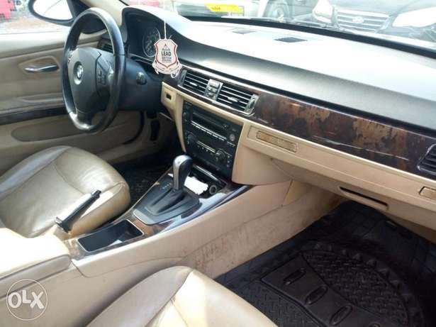 BMW 3 Series Ojodu - image 3
