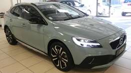 MY 17 2017 Volvo V40 D3 Geartronic Inscription Cross Country