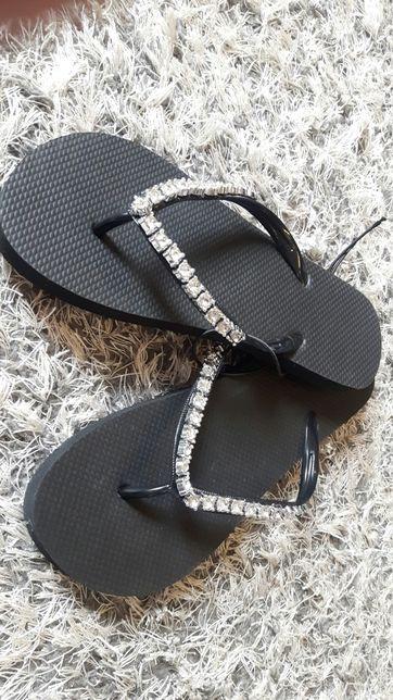 f9964748 Klapki japonki lato basen plaża z cyrkoniami czarne buty rozm. 38 Czarna  Białostocka - image