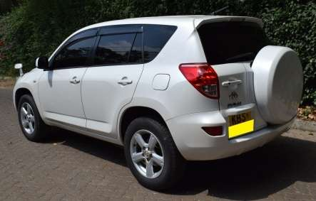 Toyota Rav 4 KBS [Automatic,Cruise Control,Power Window and Mirrors] Karen - image 5