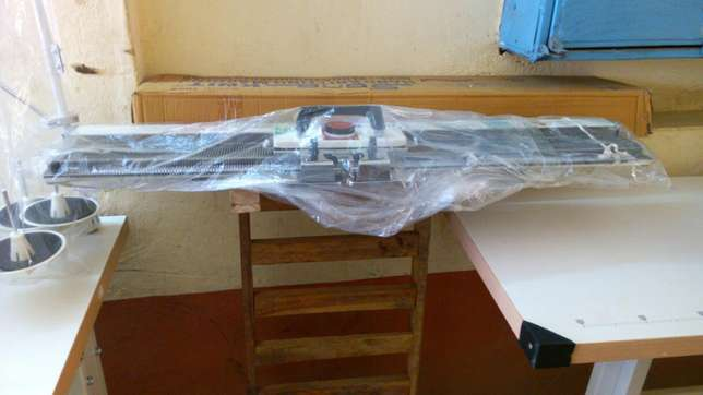 Sewing machines on good price.different machines with its price Githurai - image 6