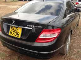 Mercedes Benz Leather seats C200 well Maintained call for viewing